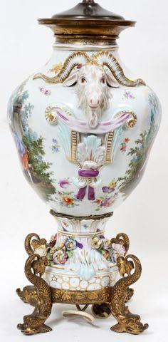DRESDEN GERMAN PORCELAIN TABLE LAMP, C 1875 - side on