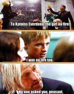 Lol haha funny pics / pictures / Hunger Games Humor / Peeta / Katniss / Haymitch