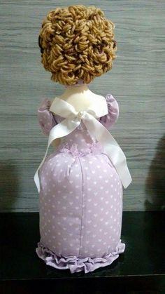 Boneca alfineteiro detalhe das costas