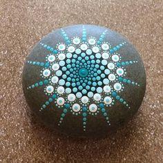 Mandala peint pierres