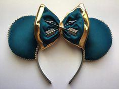 Brave - Merida Mickey Ears - The Trend Disney Cartoon 2019 Disney Diy, Diy Disney Ears, Disney Bows, Disney Crafts, Cute Disney, Walt Disney, Disney Outfits, Disney Stuff, Disney Magic