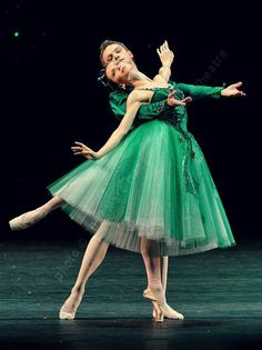 Bolshoi Ballet — Emeralds by George Balanchine  © Marc Haegeman
