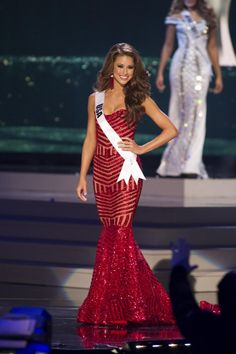 Nia Sanchez, Miss USA 2014 competes on stage in her evening gown during the Miss Universe Preliminary Show in Miami, Florida on January 21, 2015.