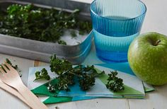 These crunchy kale crisps are super quick to make and the perfect healthy snack for packing in your lunchbox