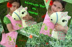 Jolinas Welt: Das Leben ist ein Ponyhof mit Rosi Pferdekissen Schnittmuster, Pferd nähen von rosarosa