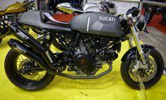 I miss my Sport Classic 1000 :( Ducati Cafe Racer, Cafe Bike, Cafe Racers, Audi, Porsche, Ducati Motorcycles, Honda Cb750, Ducati 1000, Ducati 996