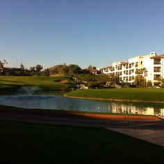 Located at the Arizona Grand Resort in Phoenix, the Arizona Grand Golf Course is a unique links course, featuring panoramic views of the surrounding Sonoran desert landscape. Evergreen Turf provided the sod for this Arizona golf course.