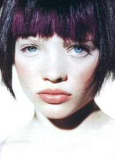 Ugly version of what i could possibly do (in red) with a fringe. Famous Faces, Beauty Photography, Being Ugly, Color Patterns, Bangs, Short Hair Styles, Dancer, Actors, Portrait
