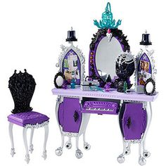 Ever After High Raven Queen Dorm Room Accessory Pack