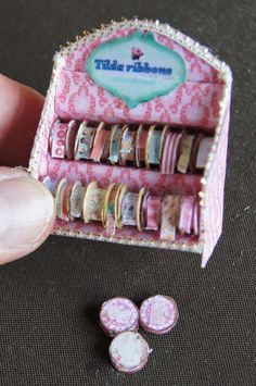 How to: Miniature ribbon display and rolls (pattern and printables). wrap ribbon then glue on sides