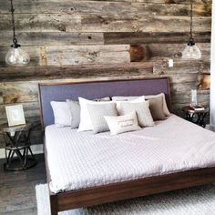 25 Cool Urban Farmhouse Master Bedroom Makeover Ideas - cedrica news Modern Farmhouse Bedroom, Urban Farmhouse, Modern Bedroom, White Bedroom Furniture, Home Decor Bedroom, Bedroom Wall, Bedroom Ideas, Room Decor For Teen Girls, Bed With Posts