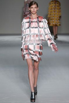Marco de Vincenzo Spring 2015 Ready-to-Wear - Collection - Gallery - Look 1 - Style.com
