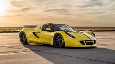 Congrats to Hennessey Performance for shattering another record! They've just broken the record for the world's fastest convertible, with a 265.5mph pass, in their open-top 1451HP 2743 pound Hennessey Venom GT, on Michelin Pilot Super Sport tires & 19x9.5/20x12.5 Forgeline 1pc forged monobock GA1R wheels finished in Satin Black! See more at: http://www.forgeline.com/customer_gallery_view.php?cvk=1530  #Forgeline #forged #monoblock #GA1R #notjustanotherprettywheel #madeinUSA #Hennessey…