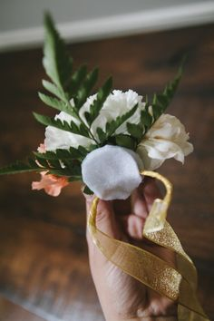 Oh-so-very-pretty-diy-carnation-corsage-30