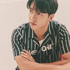 """""""You dragged the wrong person into this, no matter where you are, no matter where you hide, I will chase you to the ends of the earth &… Lee Seung Gi, Korean Star, Korean Men, Asian Actors, Korean Actors, The King 2 Hearts, Boys Like, Kdrama Actors, Korean Artist"""