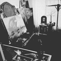 Old home studio #adamamos #artist #artistoninstagram #newyorkart #berlinart #hongkongart #iamlove #artgallery #aimiamos #cinematic #transmedia #storytellertour
