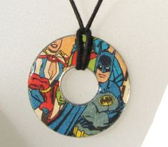 Use large washers and decoupage comics for cool DIY necklaces! Comic Book Crafts, Washer Crafts, Washer Necklace, Pendant Necklace, Gold Pendant, Book Necklace, Diamond Pendant, Hardware Jewelry, Diy Schmuck