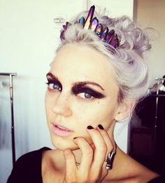 Love this rainbow quartz crown x