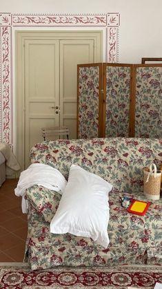 Interior And Exterior, Interior Design, True Homes, Aesthetic Room Decor, House Goals, Bedroom Inspo, Humble Abode, Versailles, Living Room