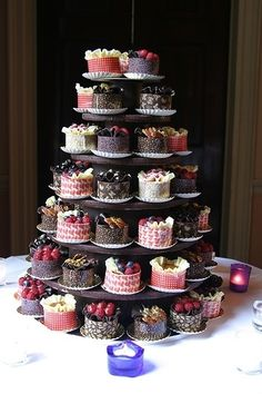 Hochzeitstorten buffet Wedding cakes, so attempt the really amazing pin suggestion number 5288866586 right here. Mini Wedding Cakes, Wedding Cakes With Cupcakes, Wedding Desserts, Mini Desserts, Mini Cakes, Cupcake Cakes, Dress Cake, Wedding Cake Designs, Creative Cakes