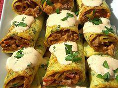 Sertésszűz krumplis palacsintába töltve recept lépés 7 foto Meat Recipes, Tacos, Food And Drink, Mexican, Yummy Food, Favorite Recipes, Beef, Meals, Ethnic Recipes