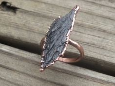 Raw Kyanite Copper Electroformed Ring. Natural rough black Kyanite ring, earthy, organic,  boho  ring. Black Kyanite fan, raven wing ring by LoMoStudio on Etsy
