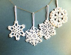 Christmas tree decorations, crocheted snowflakes, white ornaments with hanging loop /set of 9/@janet wilson