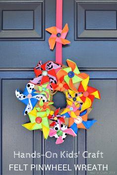 Use felt and a foam wreath to create a colorful DIY pinwheel wreath. Burlap Crafts, Felt Crafts, Paper Crafts, Diy Crafts, Wreath Crafts, Decor Crafts, Spring Crafts For Kids, Summer Crafts, Diy Pinwheel