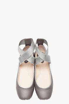 CHLOE Grey ballerina pointe flats
