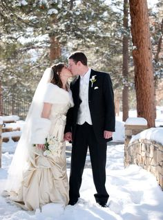 A Winter Wedding in the Snow! Bride wearing a fur wrap. Shop LUXURYVINTAGEGIRL.COM to find your dream winter wedding fur! Winter Wedding Fur, Winter Bride, Winter Wonderland Wedding, Vintage Fur, Vintage Bridal, Luxury Wedding, Dream Wedding, Brides And Bridesmaids, Shopping