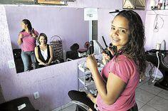 """""""Saí do que a Dilma chama de linha de pobreza""""CDEL -"""