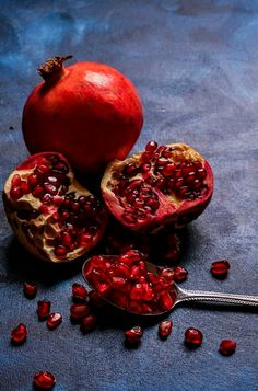 Dark Food Photography, Still Life Photography, Still Life Photos, Still Life Art, Glitter Tumblr, Grenades, Beautiful Fruits, Soft Pastels, Pomegranates