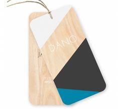 Helemaal de trend van nu, geometrische patronen puur natuur hout. Stoer en uniek is dit geboortekaartje Dano van 2 labels voor jongens. Het touw (vlaskoord) wordt er gratis bij geleverd.