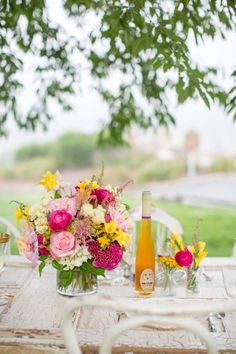 Sweeter than Honey - Pink and Yellow Styled Shoot