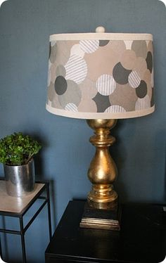 Oooh....LOVE this lampshade...too bad I don't have any lamps in the house!