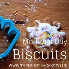 Bake up a beautiful gift for your Mum, or make these with your own kids - our gorgeous Mother's Day biscuits!