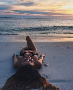 Ideias fotos na praia shared by on We Heart It - Photography, Landscape photography, Photography tips Photo Summer, Summer Pictures, Tumblr Beach Pictures, Beach Tumblr, Vacation Pictures, Beach Vibes, Summer Vibes, Summer Photography, Landscape Photography