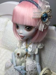 OOAK-Lagoona-custom-repaint-Monster-High-doll-Pink-Sweetheart-in-White