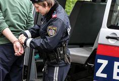 84-Jährige hörte Rumpler - Einbrecher festgenommen - nachrichten.at