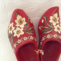 Wooden Shoes Dutch Clogs travel souvenir red by TheWhatNaught