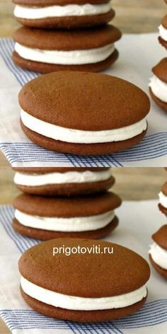 Whoopi cakes are so easy to make and incredible!- Пирожные Вупи, так просто делать и невероят… Whoopi cakes are so easy to make and incredibly tasty. French Dessert Recipes, Healthy Dessert Recipes, Donut Recipes, Cooking Recipes, Venezuelan Food, Good Food, Yummy Food, Oreo Dessert, Love Eat