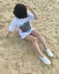 Girl Photo Poses, Girl Photography Poses, Girl Photos, Girl Pictures, Estilo Beatnik, Fake Instagram, Cute Korean Girl, Asian Girl, Fake Girls