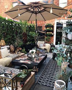 Boho garden design tips - Outdoor Rooms, Outdoor Living, Outdoor Decor, Backyard Patio Designs, Backyard Landscaping, Small Gardens, Outdoor Gardens, Bohemian Patio, Bohemian Garden Ideas