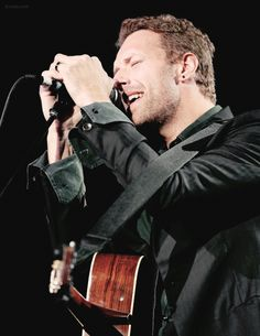 """buckin-love: """"→ 49/ ∞ pictures of Chris Martin """""""
