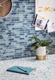 13 Perfect Ideas for Blue Kitchen Backsplashes glass tile mosaic backsplash and terrazzo countertop Glass Mosaic Tile Backsplash, Glass Tile Backsplash, Beadboard Backsplash, Tile Countertops, Herringbone Backsplash, Backsplash Ideas, Mosaic Mirrors, Mosaic Art, Splashback Tiles