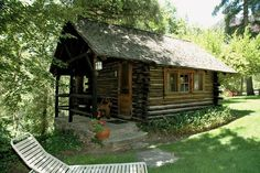 This rustic Creekside Cabin (Cabin is a romantic, detached cottage situated on the banks of Oak Creek, affording you the sounds of the rushing creek, chirping birds and breeze blowing through the trees. This charming cabin, located at Garland's LOdge i Oak Creek Canyon Arizona, Canyon Creek, Log Cabin Rentals, Log Cabins, Cozy Cabin, Queen, Rustic Design, Family Activities, Bed And Breakfast