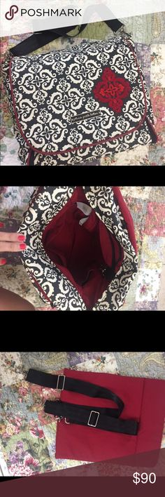 Petunia Pickle Bottom Diaper Bag Excellent used condition! Comes with shoulder strap, backpack straps, wipe holder, and removable changing pad. The only flaw is the Velcro on the changing pad has stuff (lint, fuzz, etc) stuck in it. Petunia Pickle Bottom Accessories Bags