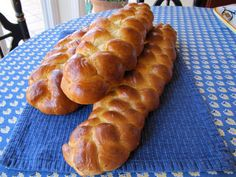 Learn to make challah bread for Shabbat with this step-by-step recipe and discover the significance of this tasty Jewish bread. Kosher, Pareve.