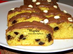 chec cu unt si fulgi de ciocolata Romanian Desserts, Loaf Cake, Unt, French Toast, Sweet Treats, Food And Drink, Cooking Recipes, Sweets, Baking