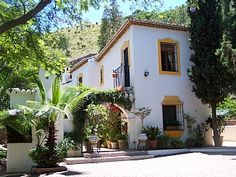Google Image Result for http://images.ownersdirect.co.uk/home-benahavis-spanish-holiday-letting-side-view-389918.jpg